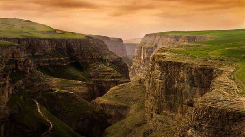قله زو کلات نادری